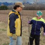 2015-4-11 willow planting with volunteers (18)