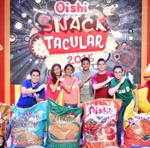 Team O doing the Oishi Wow pose (photo: Ryan Ong)