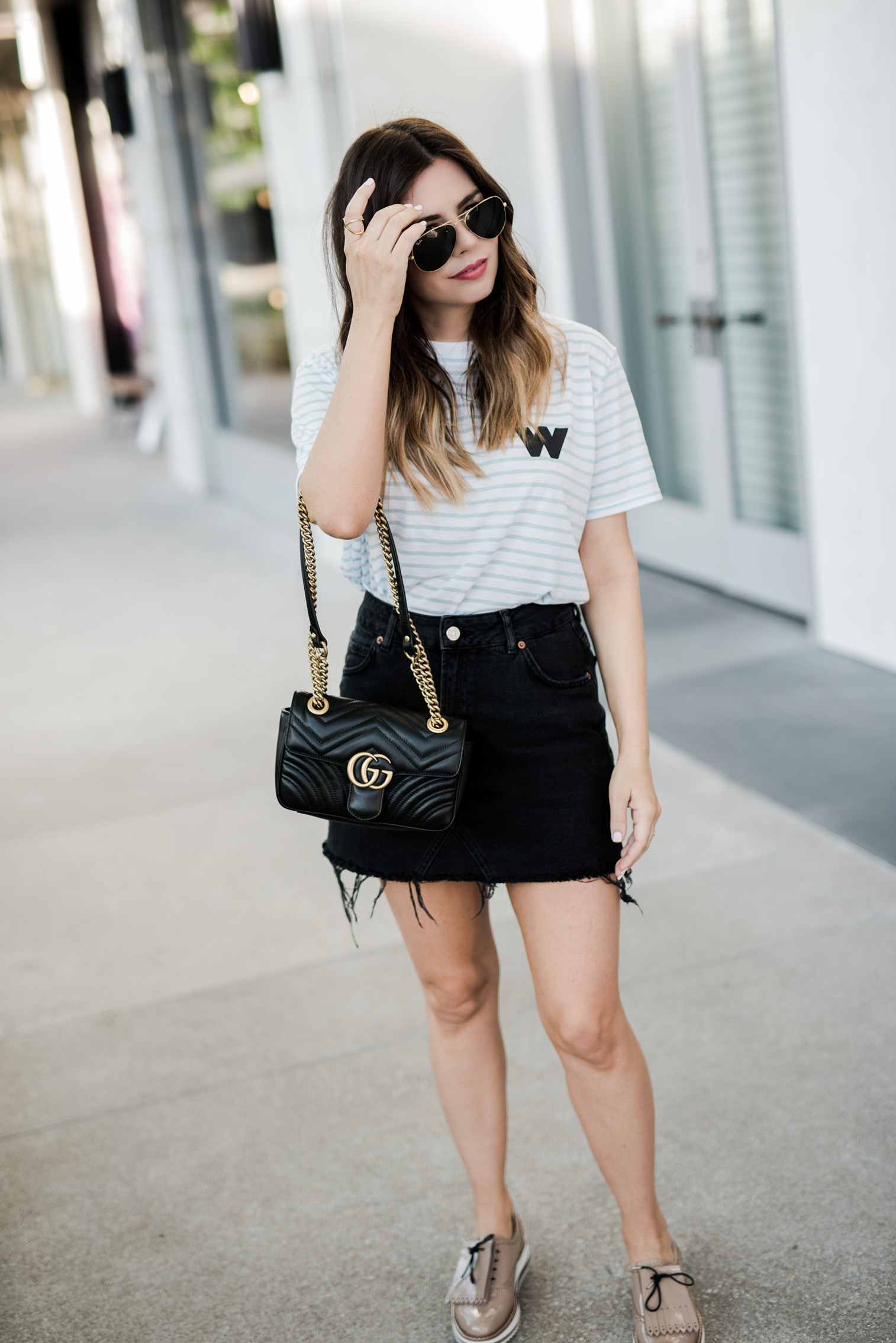 Tiffany Jais Houston fashion and lifestyle blogger | T-shirt obsessed, platform oxfords, gucci Marmont bag, black denim skirt,