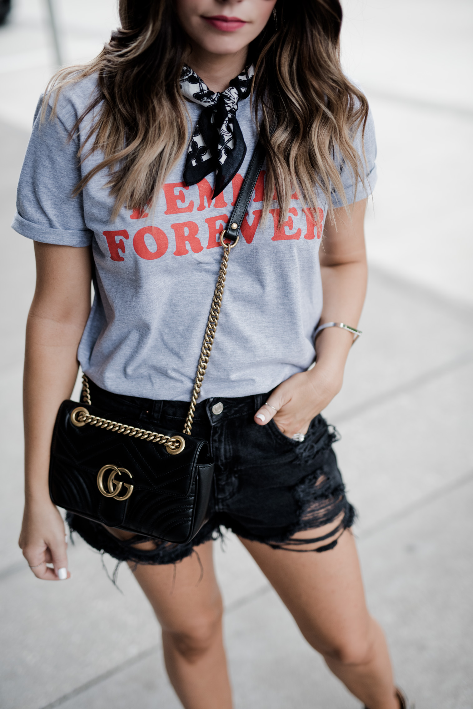 Tiffany Jais Houston fashion and lifestyle blogger | street style, Graphic tee's , necktie scarf outfits,