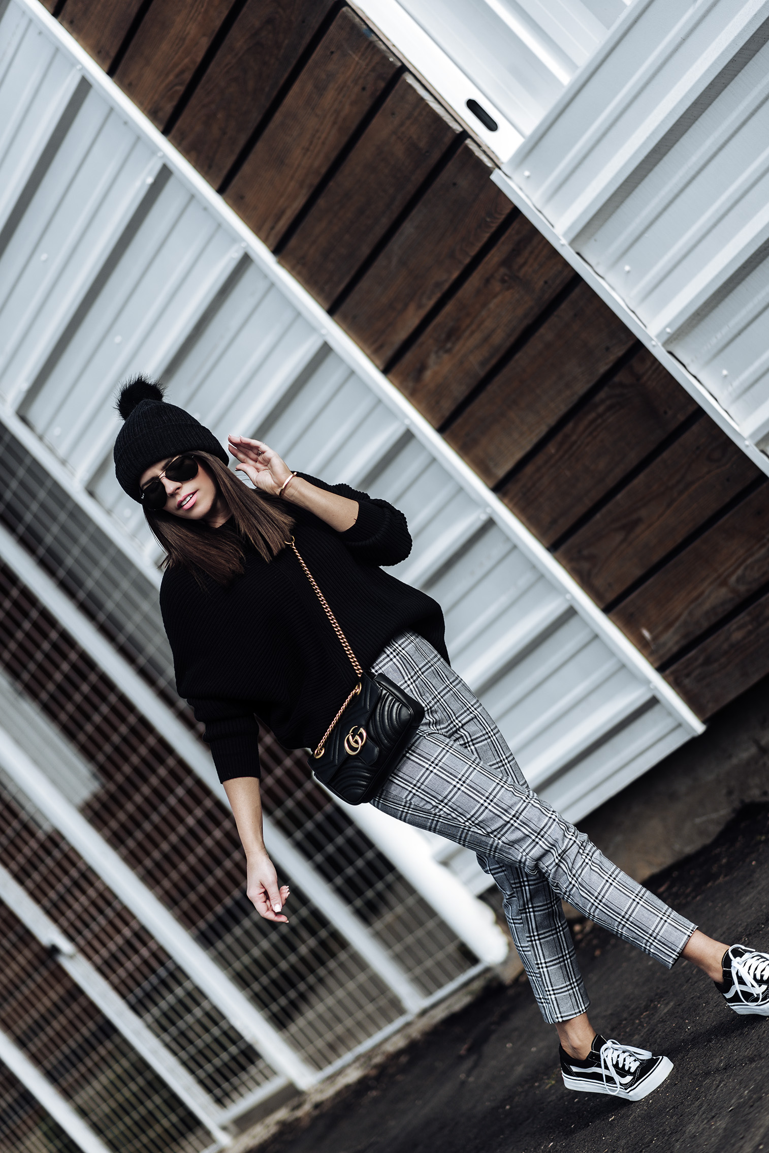 2 wardrobe staples you need in your closet this fall | Grey check print tailored pants (wearing a us size 4) | Fine knit sweater | Vans old skull sneakers | Gucci marmot bag | Monica Vinader Signature Large Bangle | Pom Pom Beanie #falloutfitideas2017 #falloutfits #vansoutfits #streetstyle