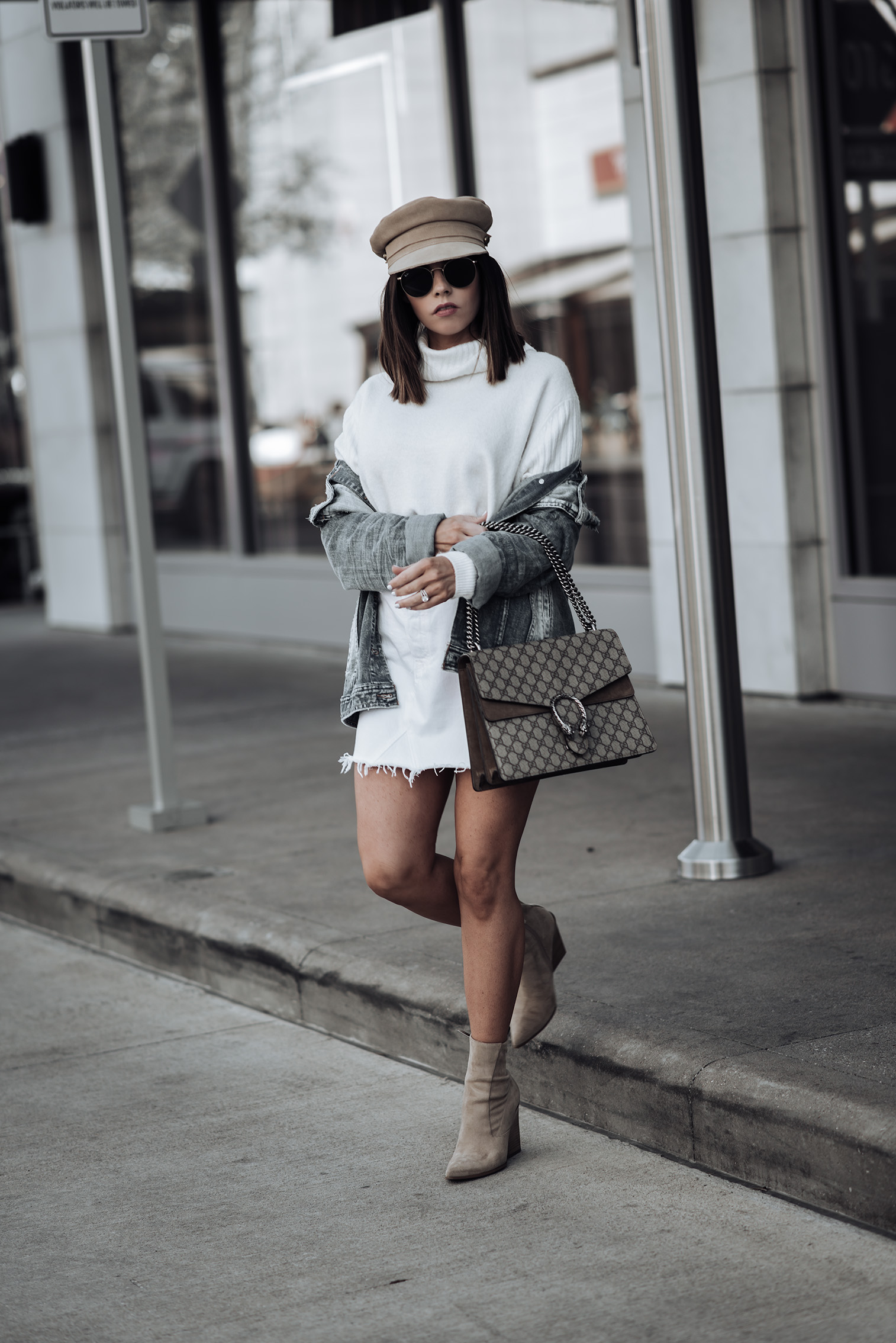 Oversized denim jacket | Tiffany Jais fashion and lifestyle blogger of Flaunt and Center | Houston fashion blogger | Straw handbag Trend | Streetstyle blog #streetstyle