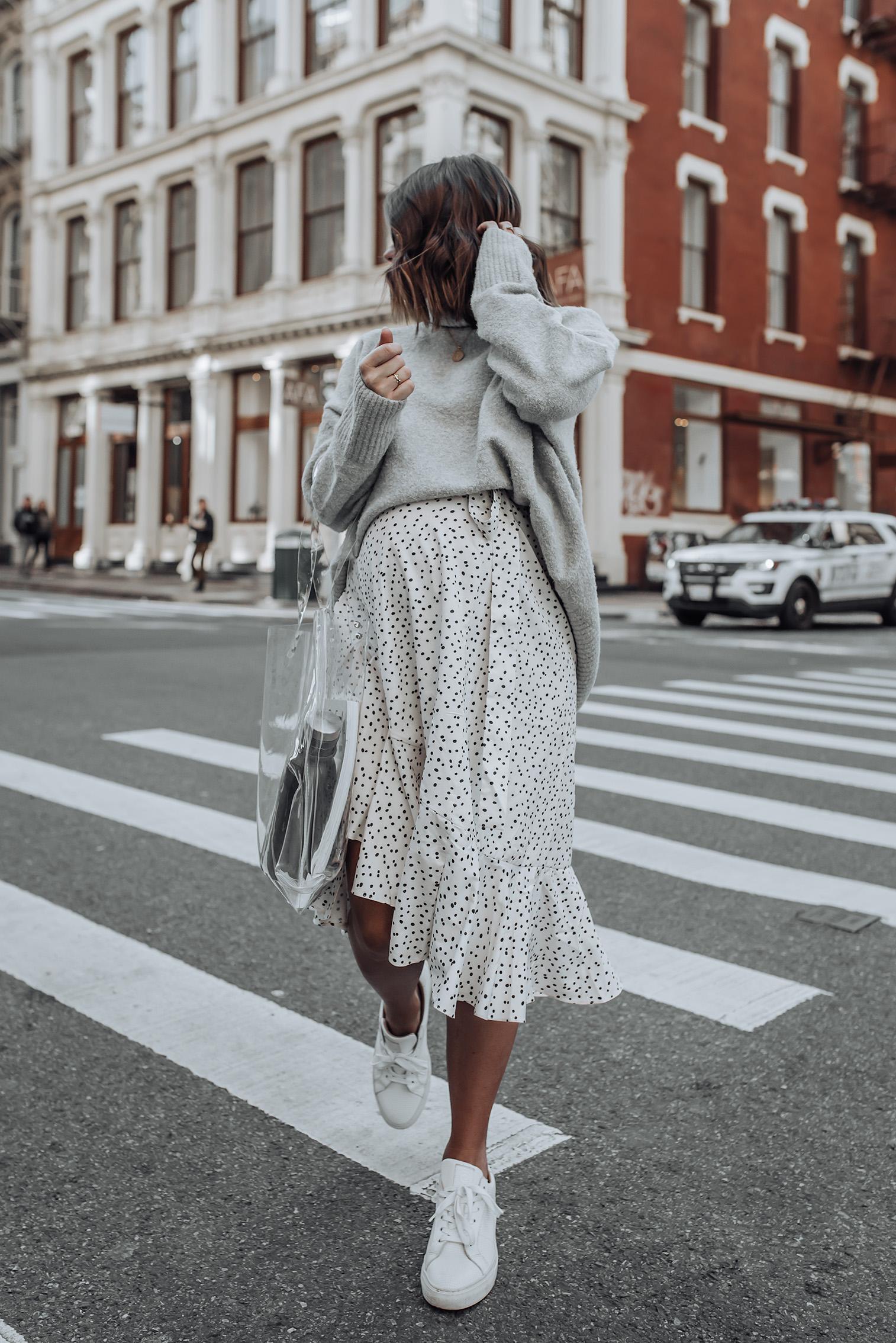 Grey Tones |Grey sweater | Polka Dot Skirt | Contigo Water Bottle | Clear Tote| Necklace #streetstyle #ootd #liketkit #polkadot #chunkyknit