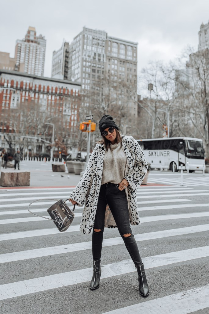 Snow leopard | Still so obsessed with leopard print, not sure if that will ever change! It's the perfect neutral to make a statement with and I'm so happy it's sticking around for 2019! Unfortunately, the day it goes out of style half my closet dies, so let's hope that doesn't happen! Haha!