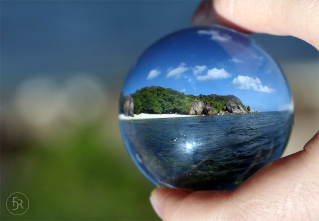 Glassball shot of Anse Source d'Argent, La Digue (c) flavioderoni.ch