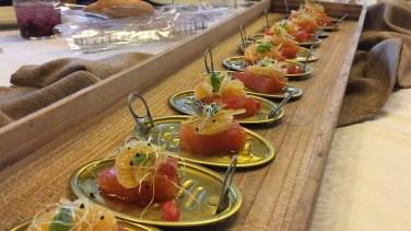 Salmón carpier con cítricos y vinagreta de azafrán