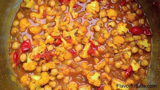 Chickpea & Cauliflower Curry