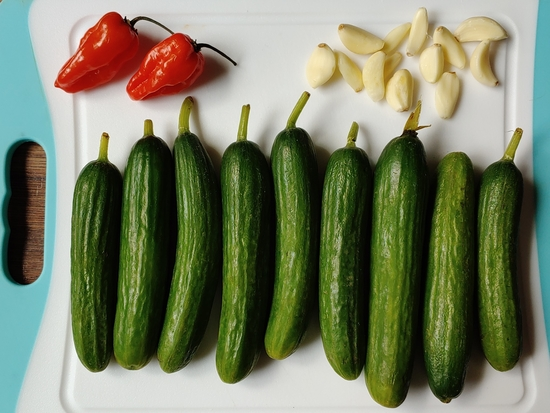 Habanero Garlic Pickles