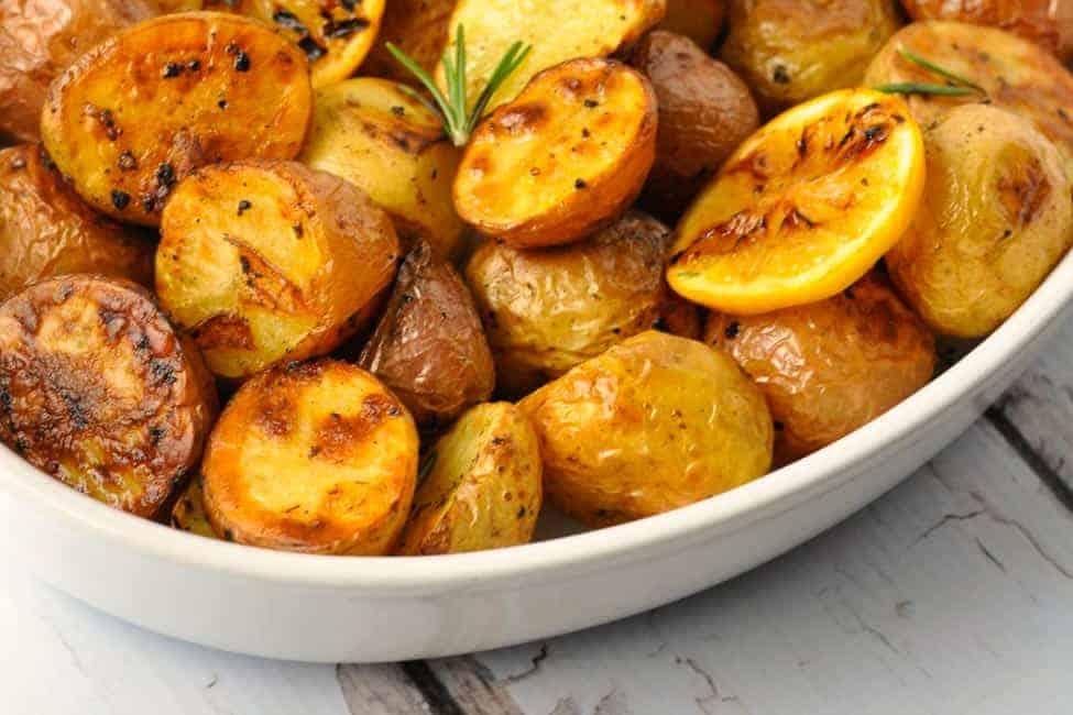 Crispy Lemon Oven-Roasted Potatoes. Crispy on the outside, soft and tender inside! The easiest gourmet potatoes you'll ever make. |www.flavourandsavour.com