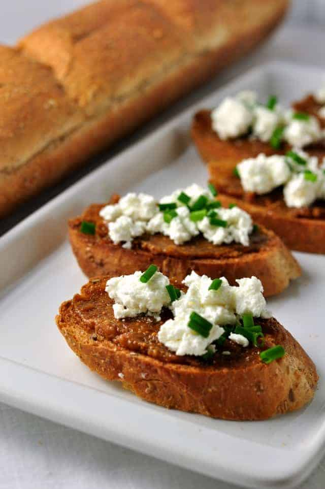 Fig and Goat Cheese Crostini. Fabulous appy for any time of the year ...
