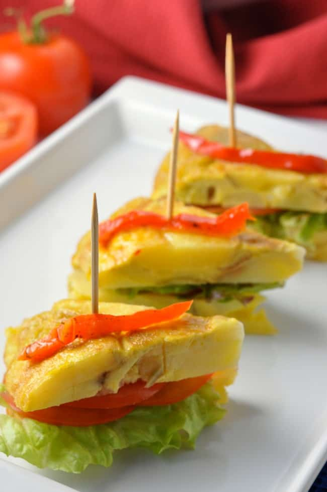 Tortilla Espanola, Spanish omelette tapa |www.flavourandsavour.com