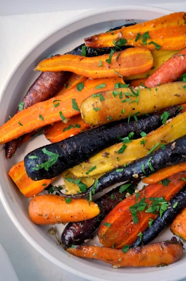 Roasted Carrots with Honey Mustard Glaze. One more idea to add to your list of holiday side dishes |www.flavourandsavour.com