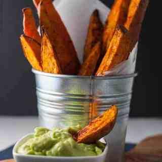 Smoky Sweet Potato Wedges with Avocado Aiioli |www.flavourandsavour.com