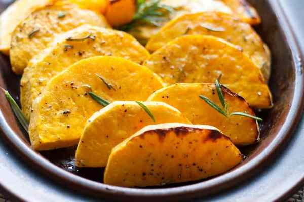 Roasted Butternut Squash with Fresh Rosemary and Lime. Crispy but tender slices roasted with a honey-lime glaze and fresh rosemary. |www.flavourandsavour.com