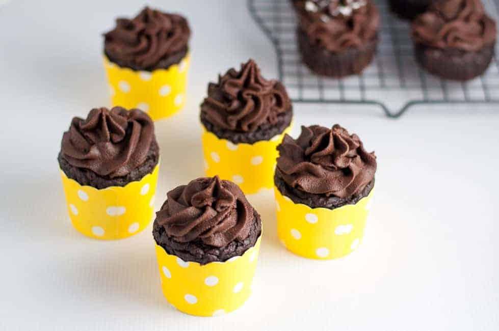 Chocolate Quinoa Cupcakes now made even healthier! Less sugar, gluten-free. Decadent, rich chocolate flavour.