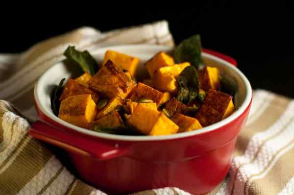 Roasted Butternut Squash with Toasted Sage and Pumpkin Seeds |www.flavourandsavour.com