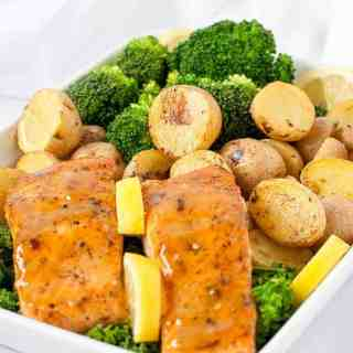 Maple syrup, bourbon and fresh wild-caught salmon bring a taste of Canada to your table. Try this recipe for Bourbon Maple Glazed Salmon with baby potatoes and fresh green veggies. |www.flavourandsavour.com