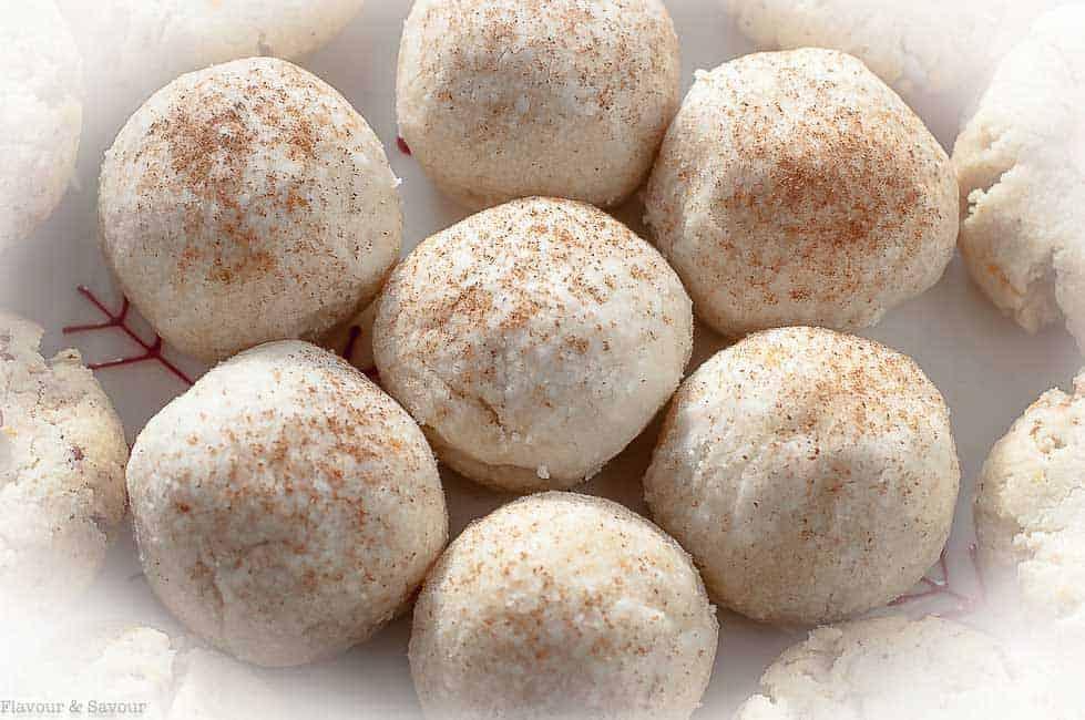 Gluten-Free Almond Shortbread Cookie Balls