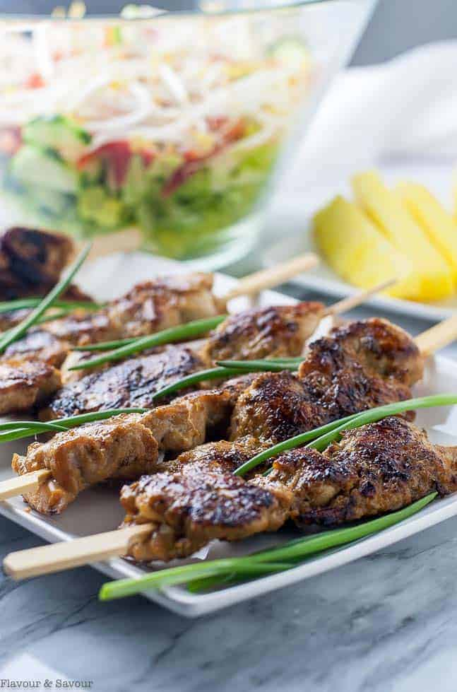 Ginger-Garlic Glazed Korean Chicken Skewers. Sweet and spicy, salty and succulent, these Korean Chicken Skewers need no special ingredients. They're fun to eat, grilled food-on-a-stick! Paleo. #korean #asian #skewers #kabobs #chicken #ginger #garlic #paleo