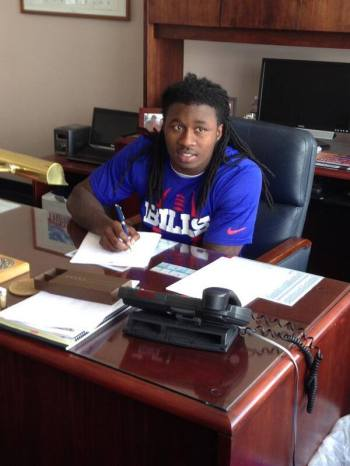 Sammy watkins signing contract