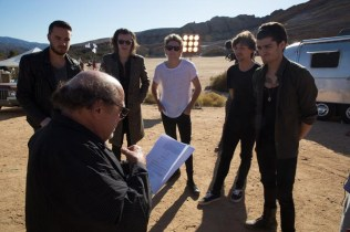 one-direction-steal-my-girl-bts-2