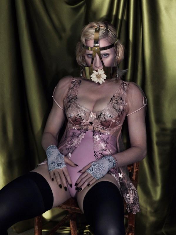 madonna topless interview magazine 012