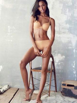 Jasmine-Tookes-Victorias-Secret03-800x1444