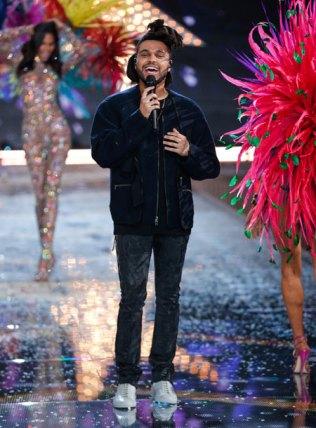 fashion-show-2015-musical-performer-the-weeknd-2-victorias-secret