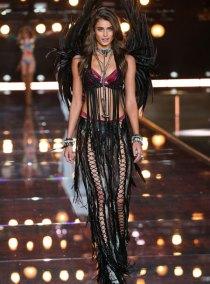 fashion-show-runway-2015-boho-psychadelic-taylor-look-11-victorias-secret