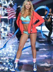 fashion-show-runway-2015-pink-usa-rachel-look-2-victorias-secret