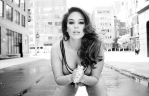 Ashley Graham Love advent 2017