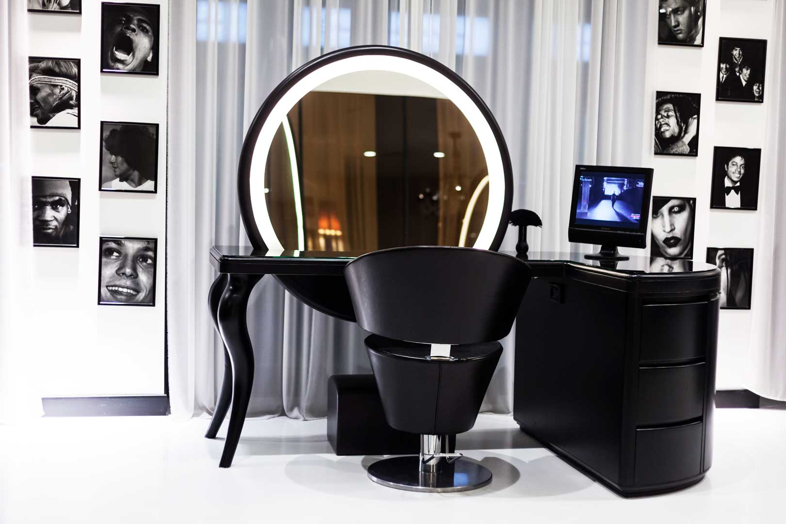 Barber Shop by Atelier Luigi Ciccarelli  Flawless Milano