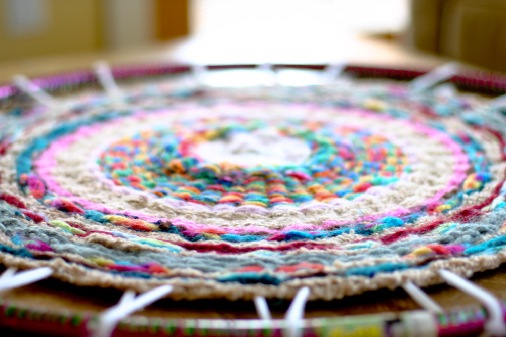 Finger Knitting For Kids Projects : Woven finger knitting hula hoop rug diy flax twine