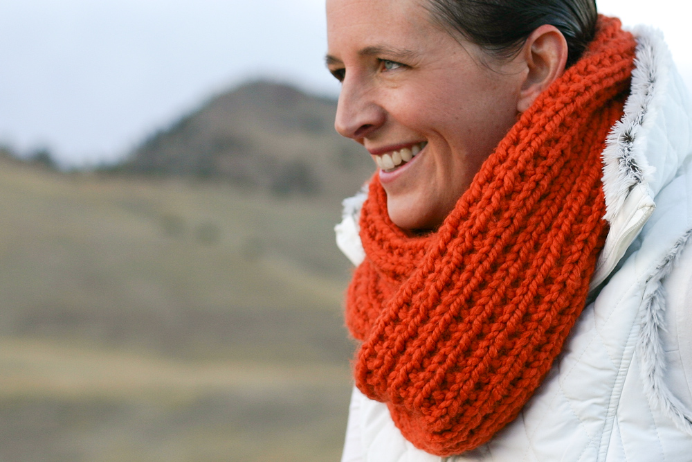 A Chunky Moebius Cowl An Easy Chunky Knit Free Pattern Flax Twine