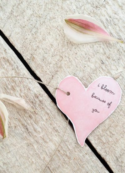 Teacher Valentine Bouquet DIY with Free Printable Heart Tag
