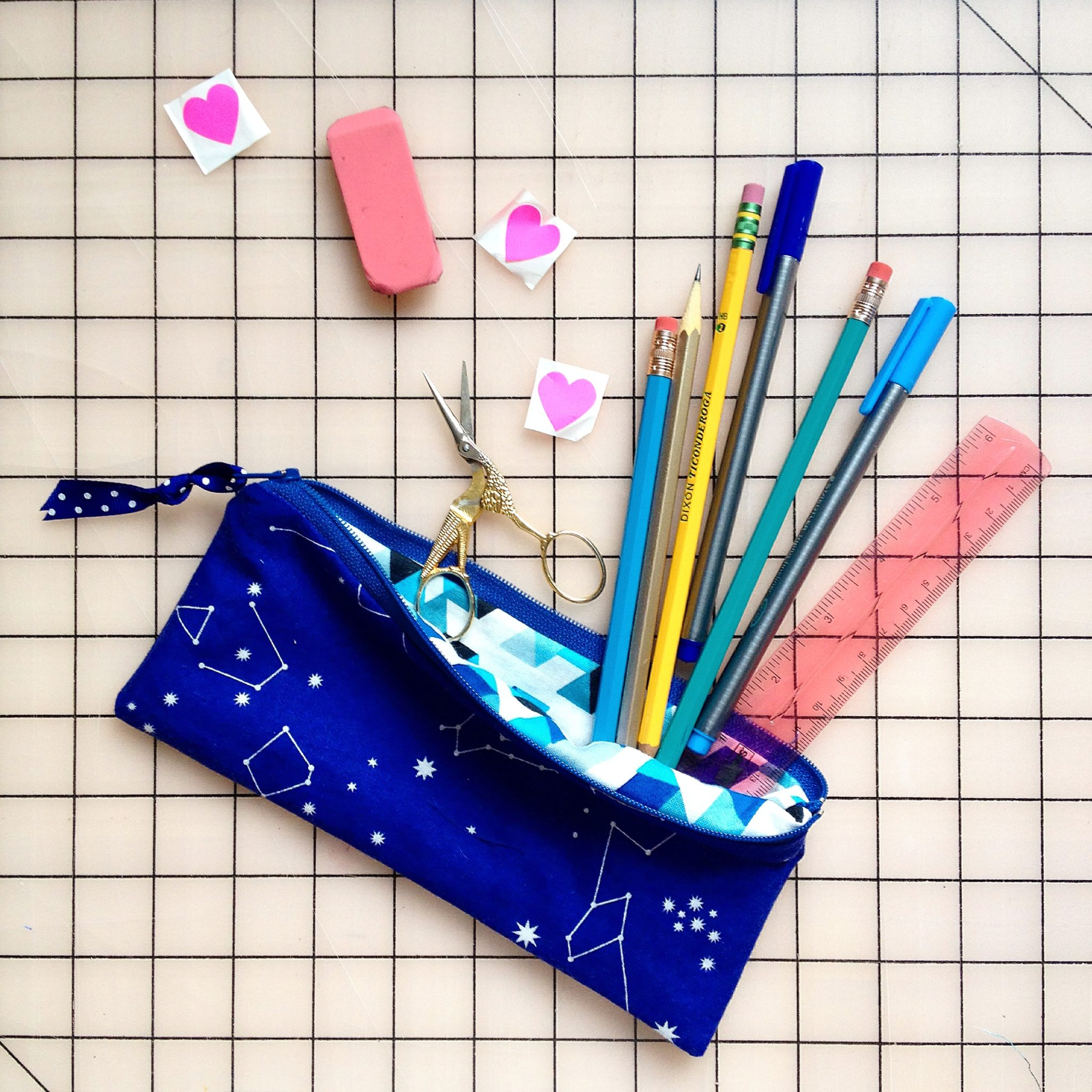 Crochet Zipper Pouch Tutorial : Crochet Zipper Pouch Pattern - Flax & Twine