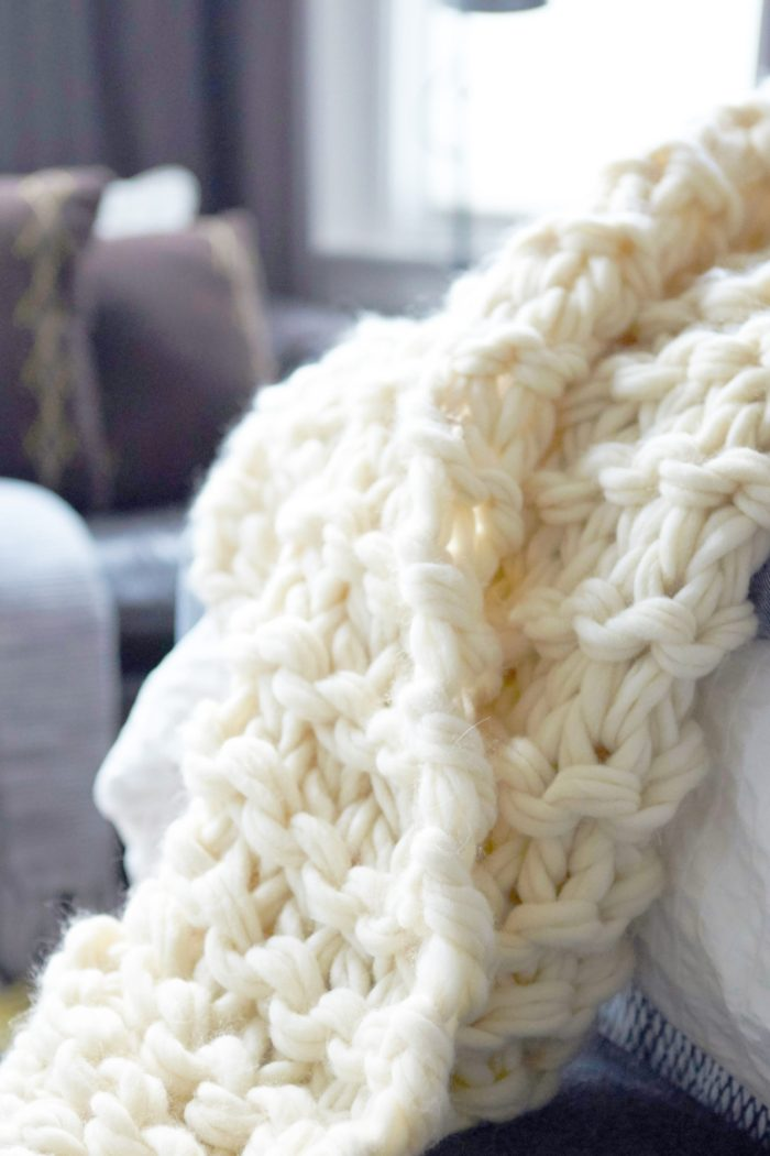 arm knit blanket tutorial - flax & twine