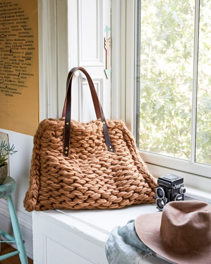 Purl Side Tote |  Arm Knitting Patterns from Knitting Without Needles by Anne Weil