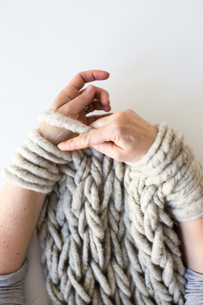 Hand Knitting With Arms : Six ways to make your arm knitting tighter flax twine