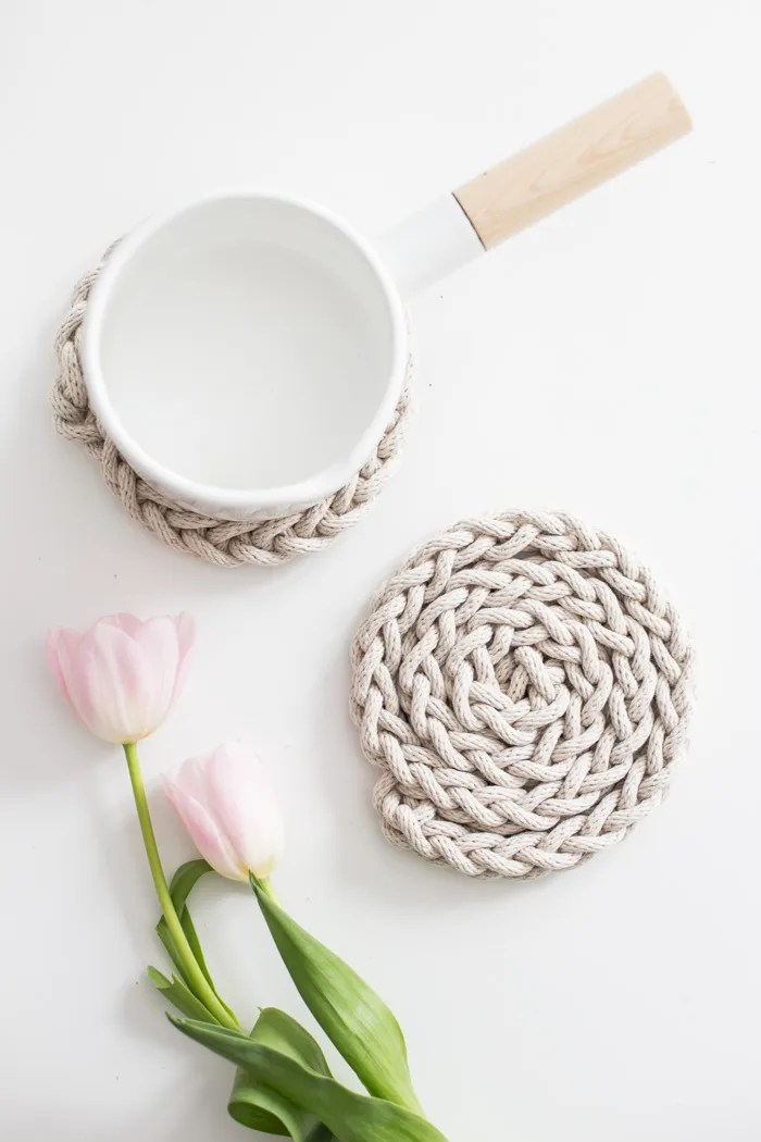 Finger Knit Trivet-6049