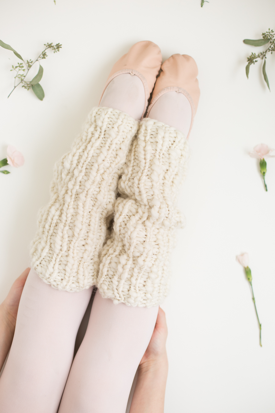 One Skein Knit Leg Warmers Pattern for Beginners - Flax & Twine