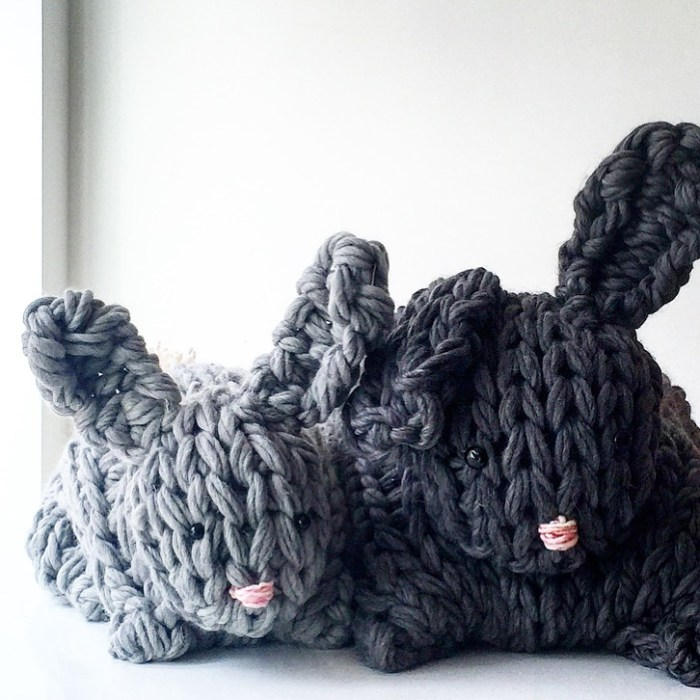 Giant Arm Knit Bunny Video Tutorial & Discount Code - Flax