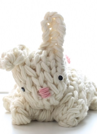 Giant Arm Knit Bunny Video Tutorial & Discount Code
