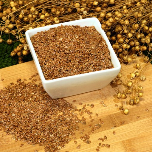 Whole-bronze-linseeds-and-linseed-plant
