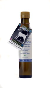 Flax Farm cold-pressed linseed flax seed oil for dogs is high in omega-3 and an effective natural remedy for arthritis especially in older dogs.