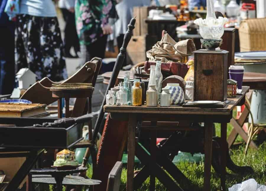 Great wetherby racecourse antiques fair fleamapket the for Antique fairs and flea markets 2016