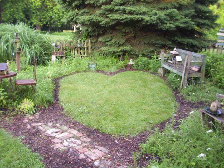 Heart shaped in the garden flea market gardening