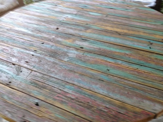 Floorboard tabletop,..the perfect shape