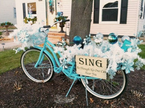 21 fun flea market holiday decorations indoors or out for Bike decorating ideas