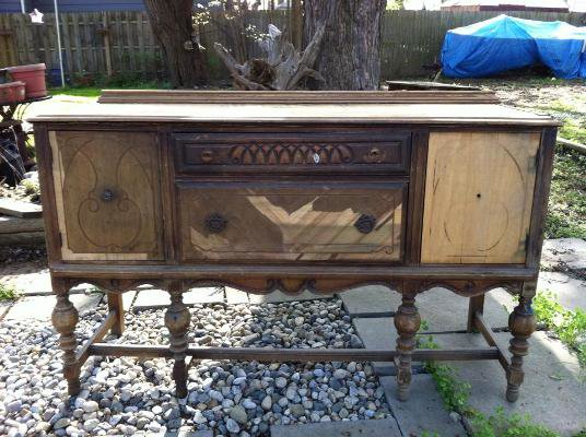 An old and decrepit buffet, ready for its new life!